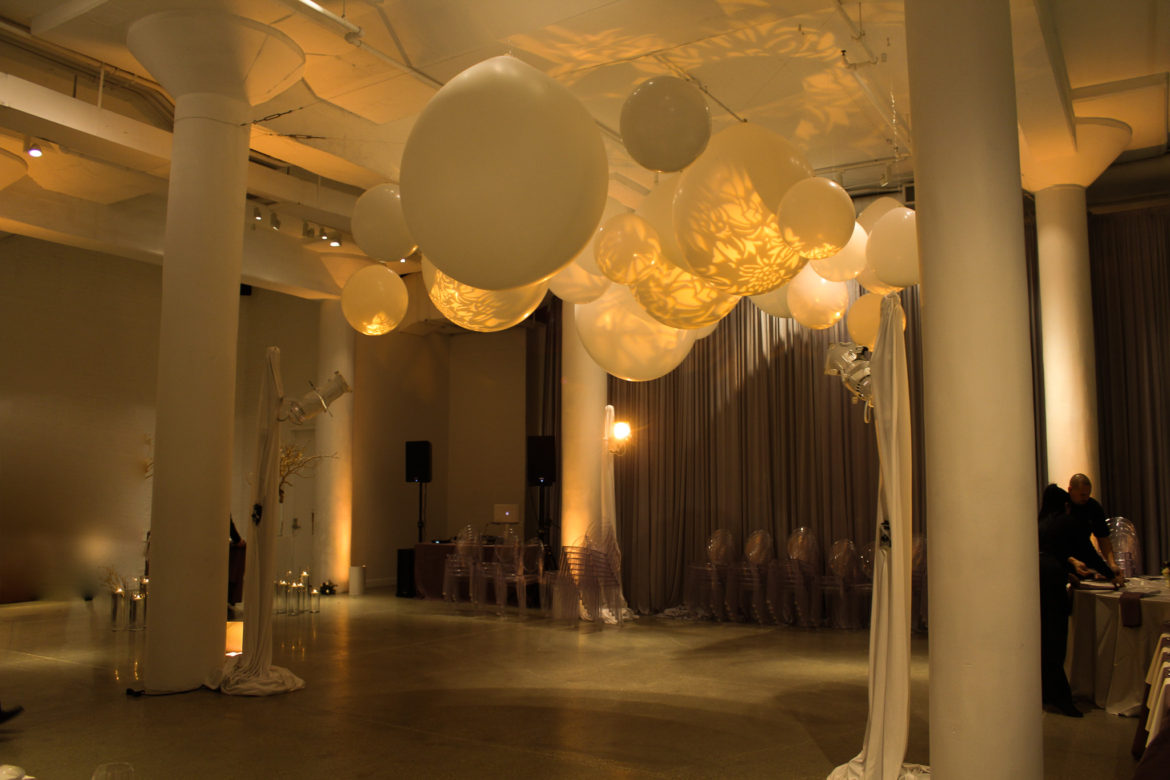 Elegant_Event_Lighting_Chicago_Chez_Wedding_Room_Reception_Lighting_Balloons_PAttern