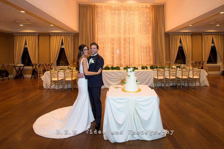 Elegant_Event_Lighting_Chicago_Arrowhead_Golf_Club_Wheaton_Wedding_Cafe_Globe_Lighting_Backdrop_Head_Table