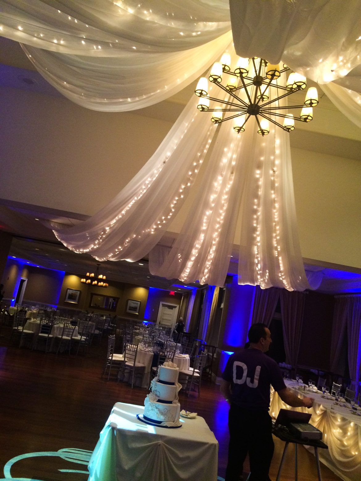 Elegant_Event_Lighting_Chicago_Arrowhead_Golf_Club_Wheaton_Wedding_Ceiling_Drapes_Twinkle_Lights_Starburst_Blue_LED_Uplighting