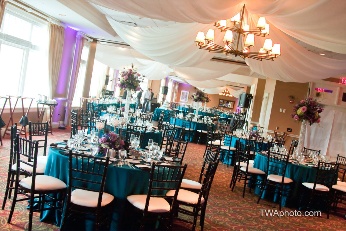Elegant_Event_Lighting_Chicago_Arrowhead_Golf_Club_Wheaton_Wedding_Ceiling_Draping_Reception
