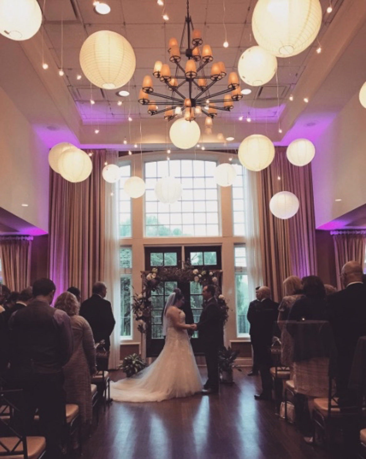 Elegant_Event_Lighting_Chicago_Arrowhead_Golf_Club_Wheaton_Wedding_Paper_Lantern_Cafe_Single_Globe_Lighting_Ceremony