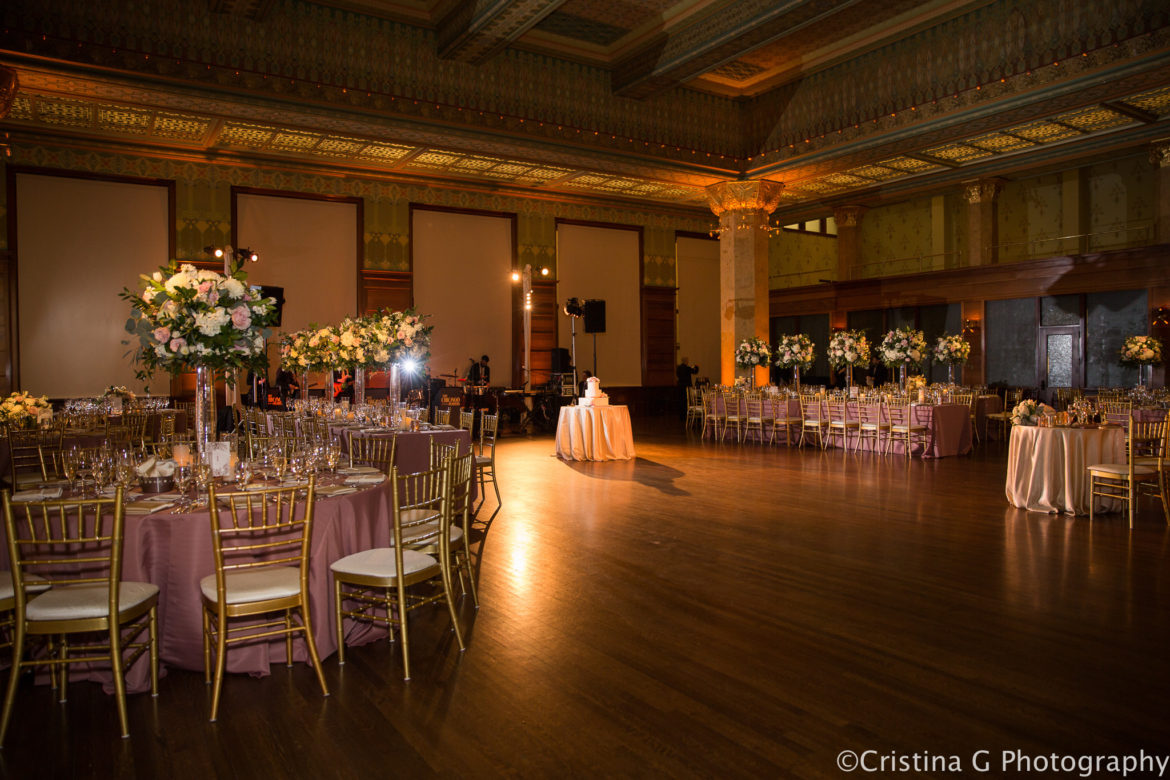Elegant_Event_Lighting_Chicago_Art_Institute_Stock_Exchange_Wedding_Dance_FLoor_Lighting_Flower_Lighting