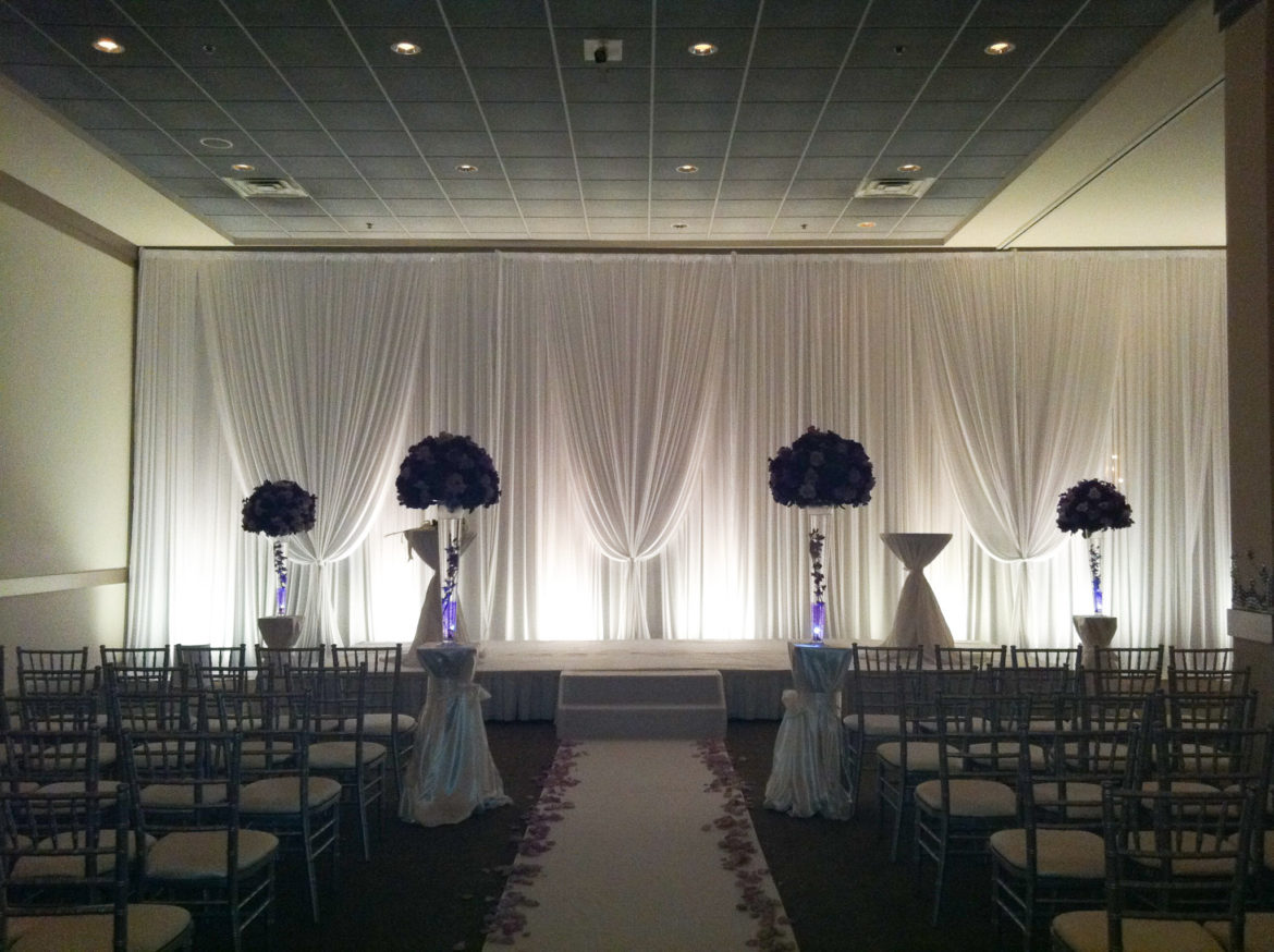 Elegant_Event_Lighting_Chicago_Belvedere_Banquets_Elk_Grove_Wedding_White_Backdrop_Soft_Uplighting_Ceremony
