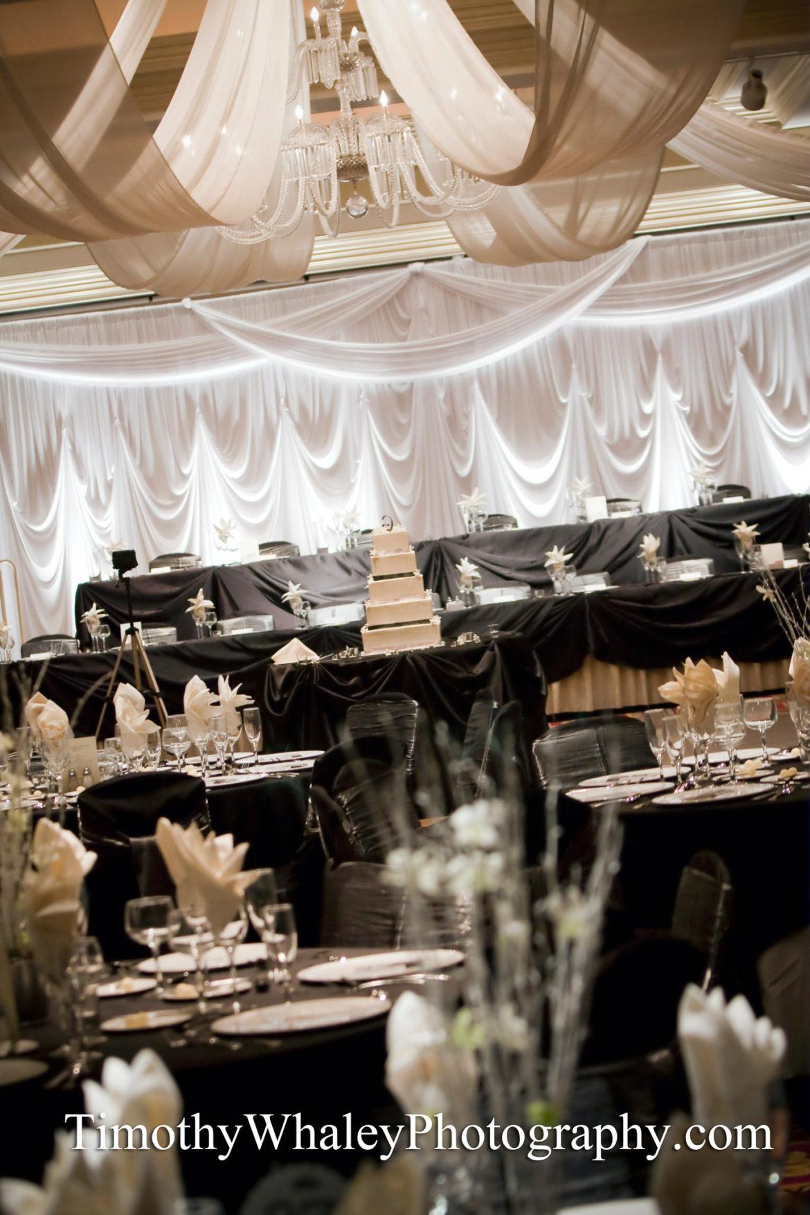Elegant_Event_Lighting_Chicago_Bolingbrook_Golf_Club_Wedding_Draping_Backdrop_Soft_Uplighting