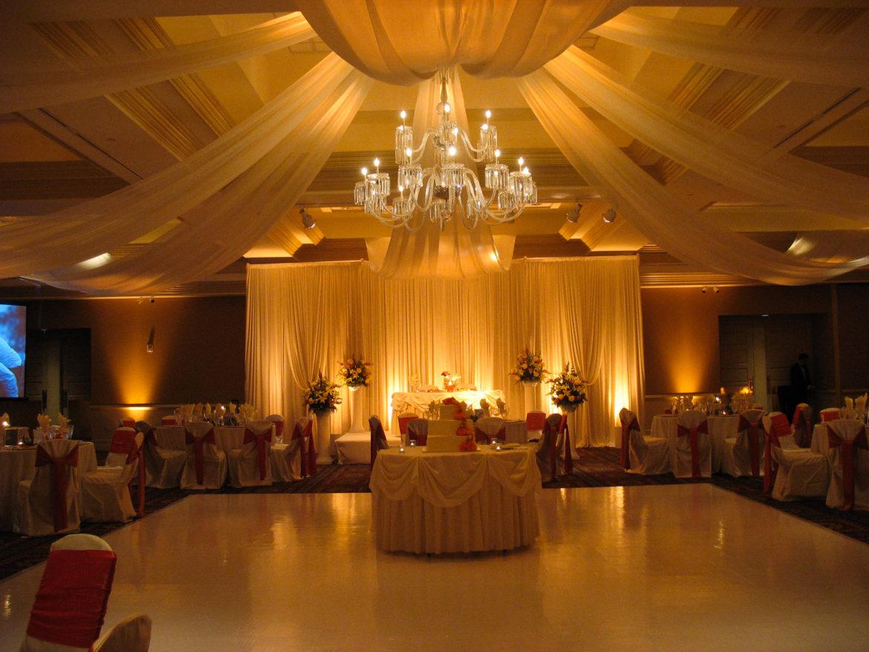 Elegant_Event_Lighting_Chicago_Bolingbrook_Golf_Club_Wedding_White_Dance_Floor_Ivory_Draping_Uplighting_Amber