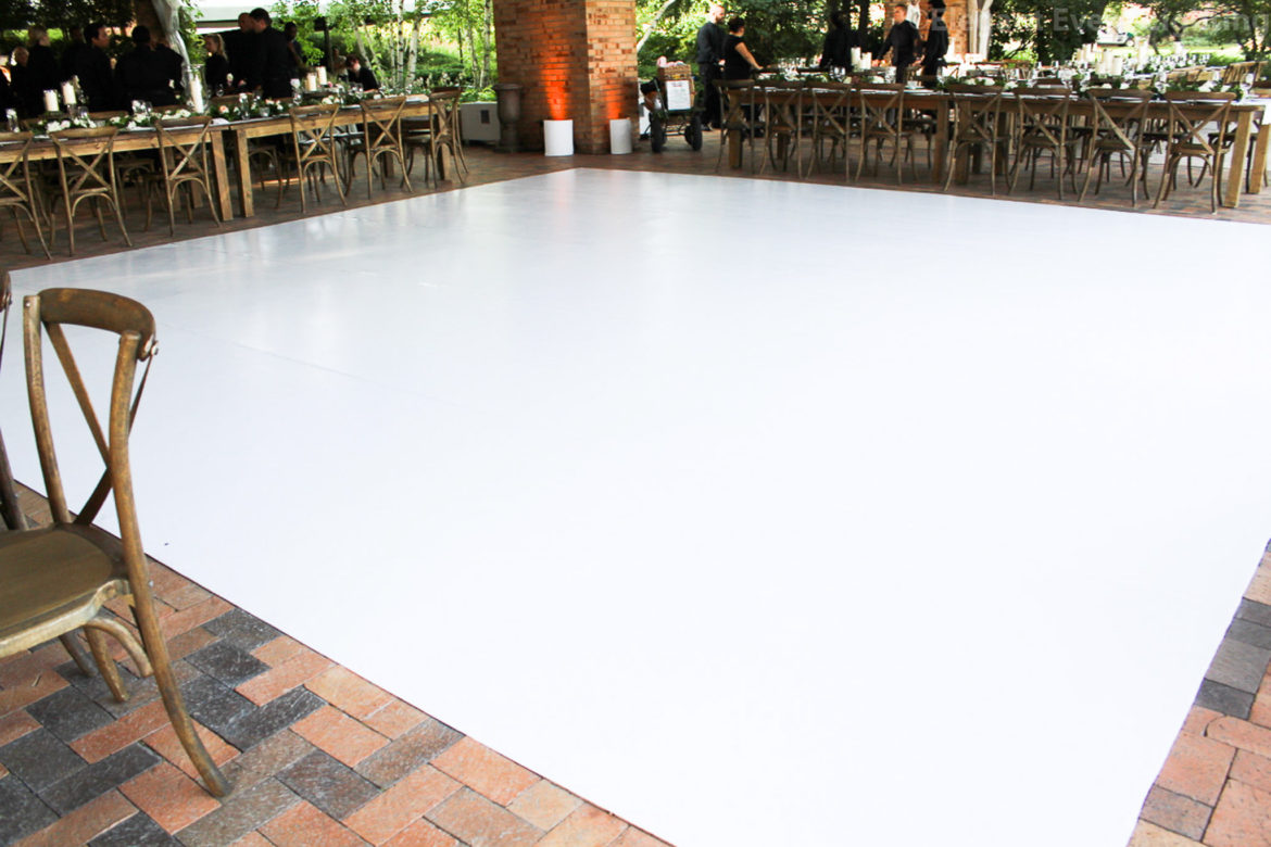 Elegant_Event_Lighting_Chicago_Botanic_Gardens_Glencoe_Wedding_Amber_Uplighting_Matte_White_Vinyl_Dance_Floor