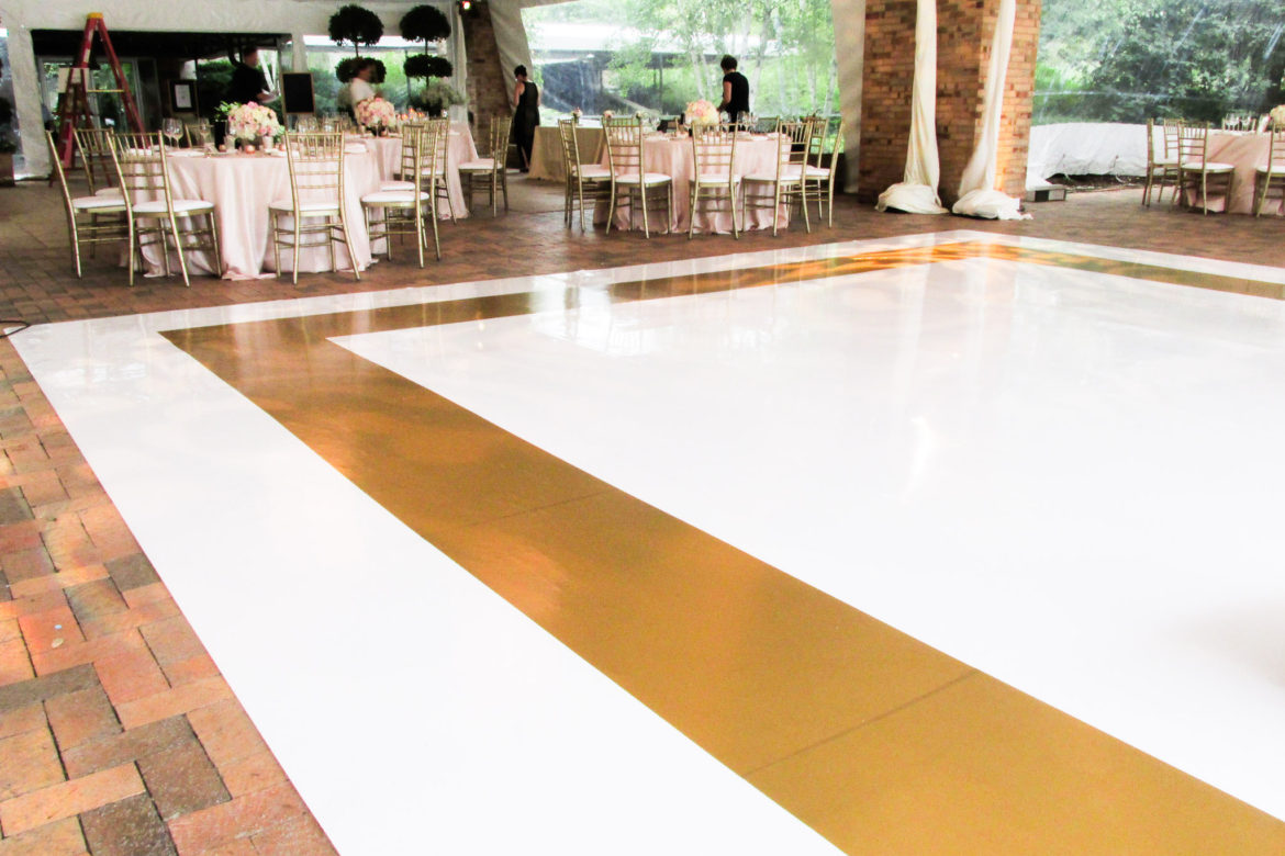 Elegant_Event_Lighting_Chicago_Botanic_Gardens_Glencoe_Wedding_White_Vinyl_Dance_Floor_Gold_Border.