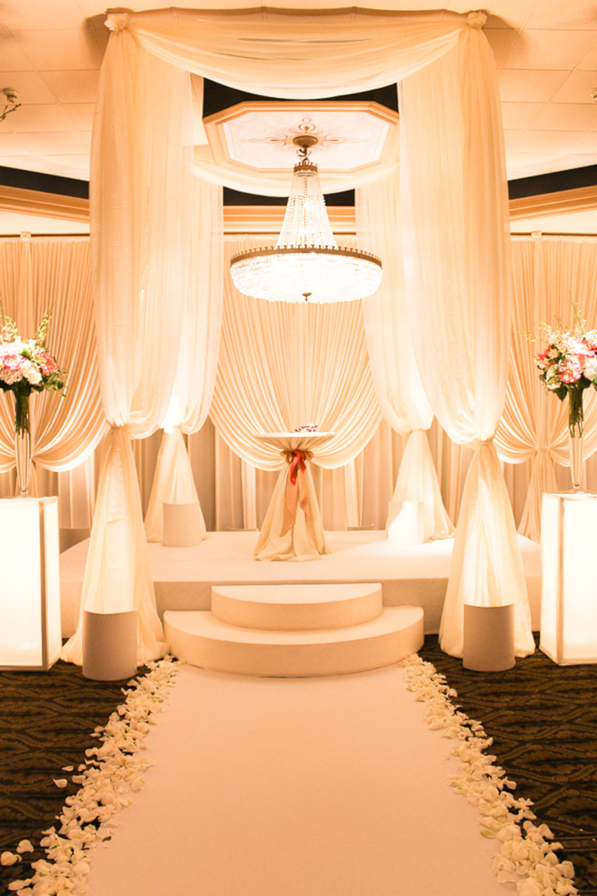 Elegant_Event_Lighting_Chicago_Carlisle_Wedding_Amber_Uplighting_Backdrop_Chuppah_Bridal_Canopy_Flower_Pedestal_Ceremony