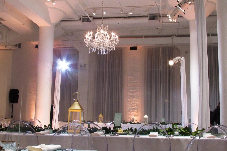 Elegant_Event_Lighting_Chicago_Chez_Wedding_Crystal_Chandelier_Reception