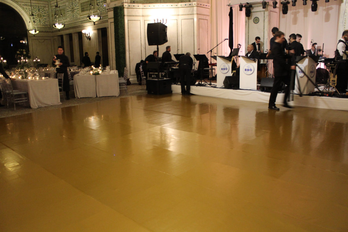 Elegant_Event_Lighting_Chicago_Cultural_Center_Preston_Bradley_Hall_Wedding_Reception_Gold_Vinyl_Dance_Floor