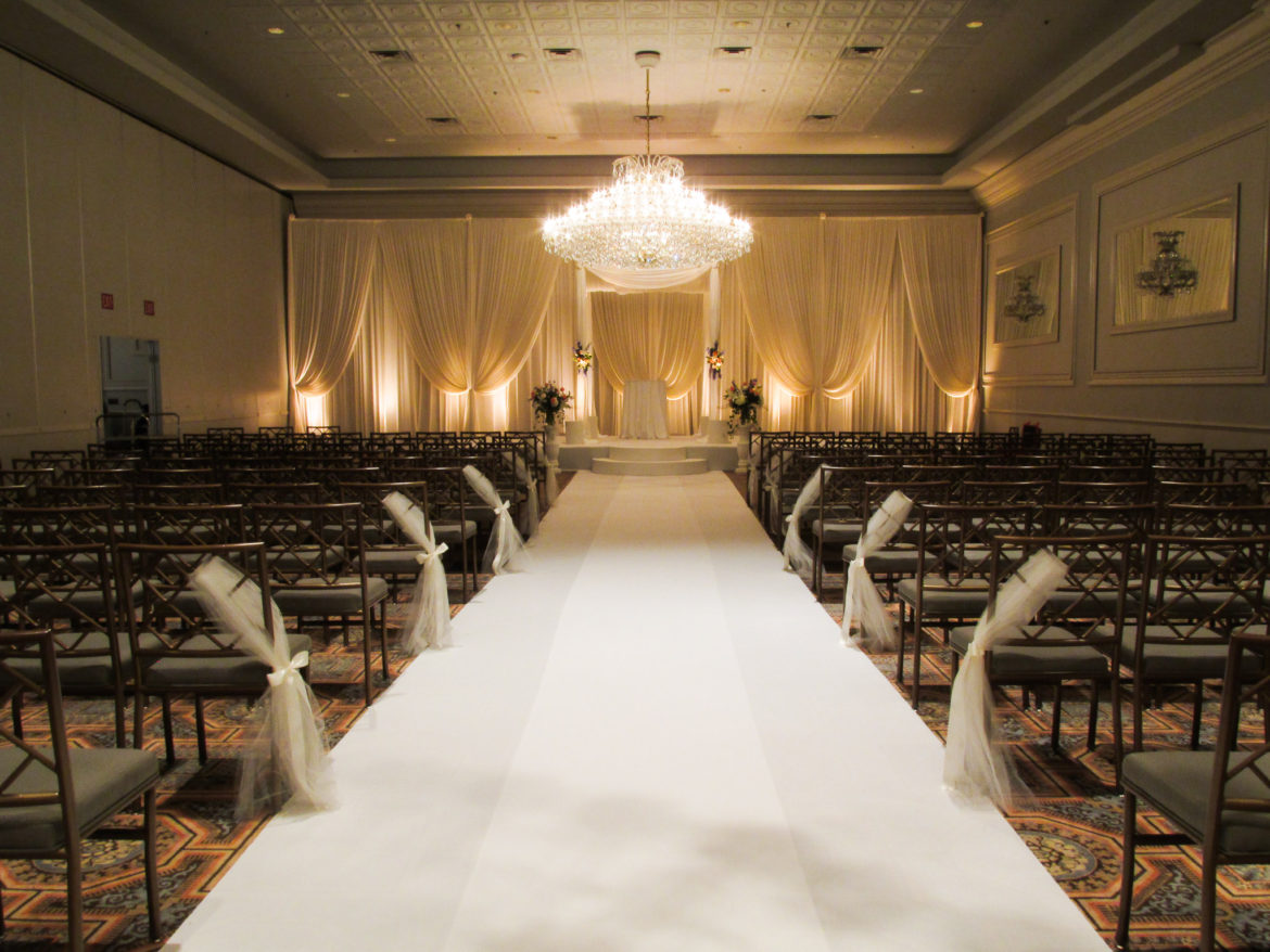Elegant_Event_Lighting_Chicago_Drury_Lane_Oak_Brook_Wedding_Ceremony_Draping_Ivory_Backdrop_Aisle_Runner