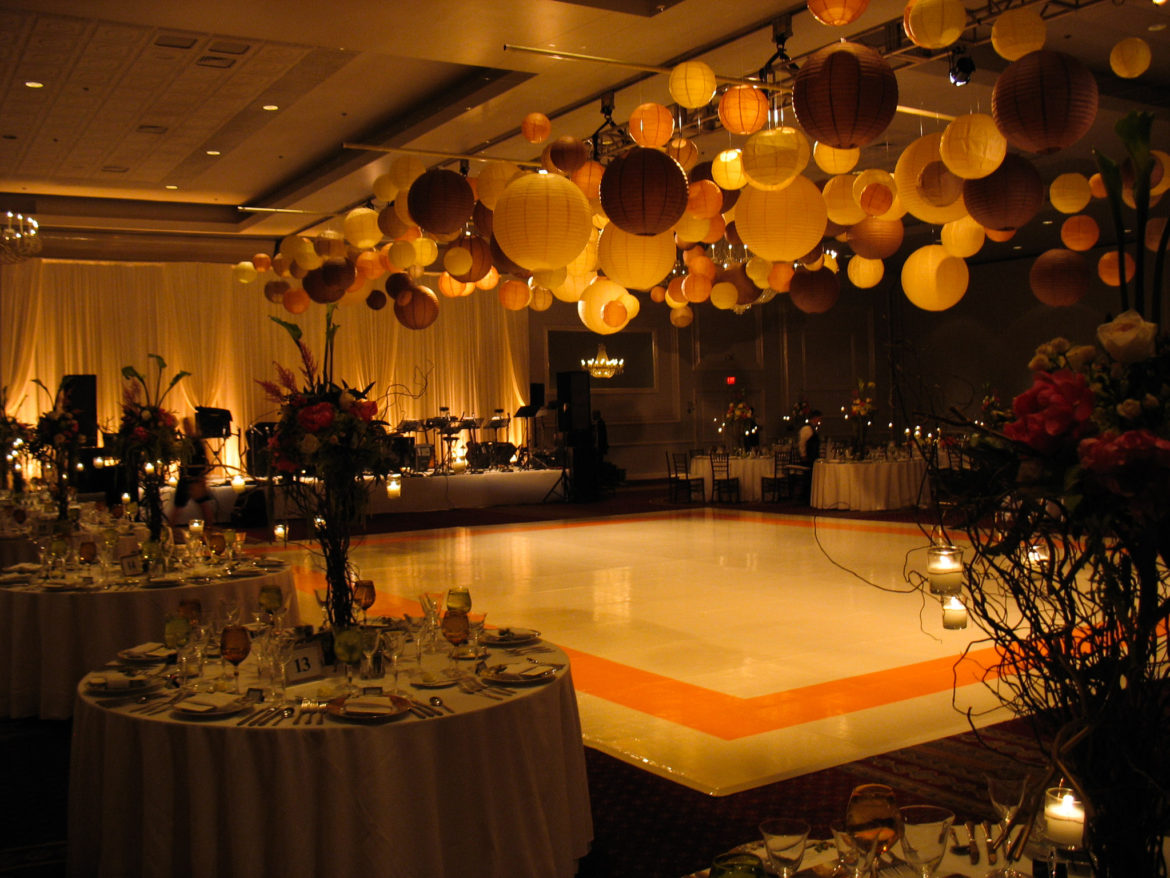 Elegant_Event_Lighting_Chicago_Drury_Lane_Oak_Brook_Wedding_Paper_Lanterns_White_Dance_Floor_Backdrop_Warm_Romantic