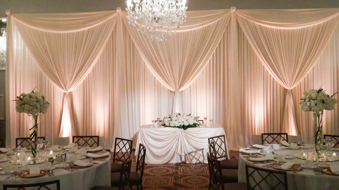 Elegant_Event_Lighting_Chicago_Drury_Lane_Oak_Brook_Wedding_White_Draping_Backdrop_Soft_LED_Uplighting