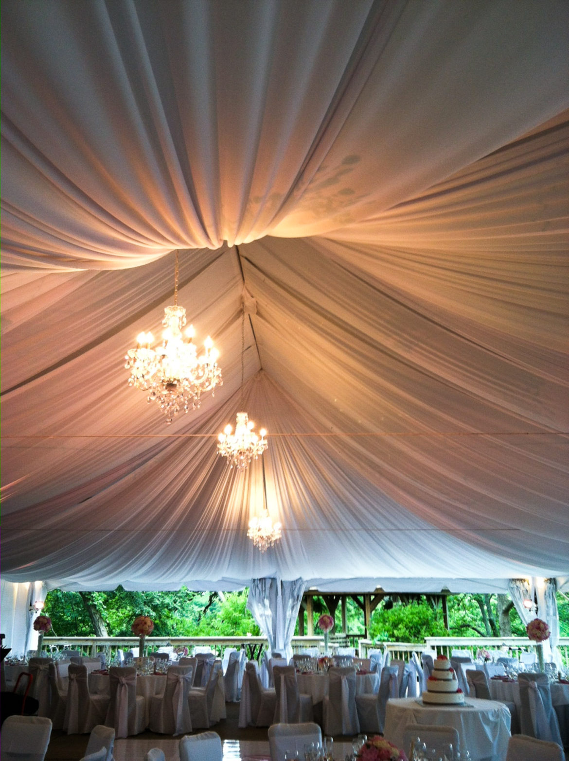 Elegant_Event_Lighting_Chicago_Eagle_River_Galena_Wedding_Decor_Tent_Decor_Tent-Draping