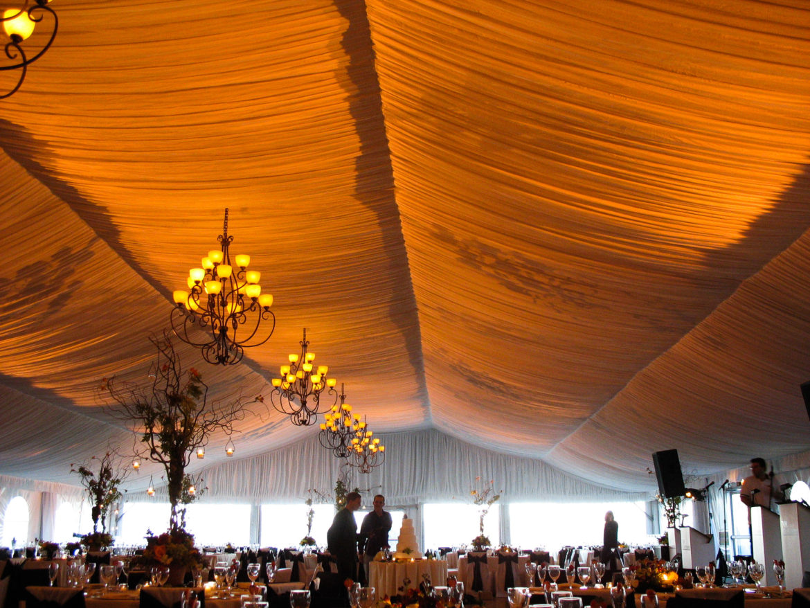 Elegant_Event_Lighting_Chicago_Eaglewood_Resort_Spa_Itasca_Wedding_Amber_Ceiling_Lighting