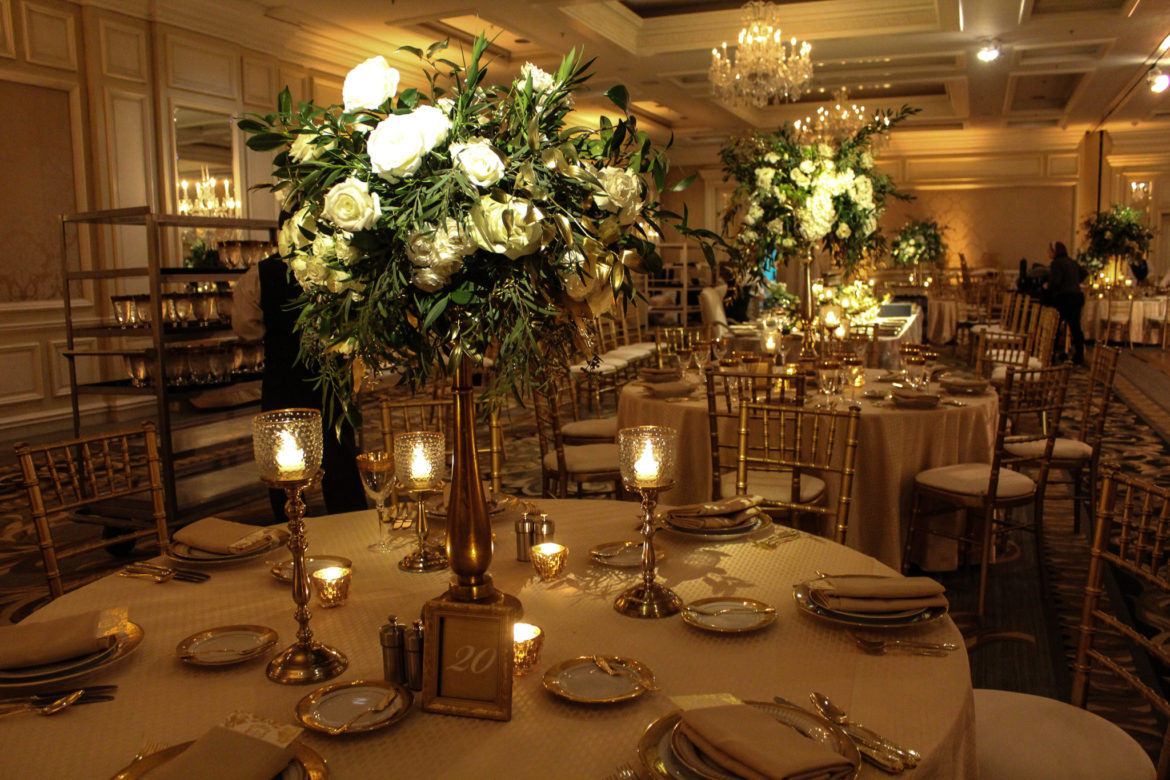 Elegant_Event_Lighting_Chicago_Four_Seasons_Wedding_Flower_Lighting