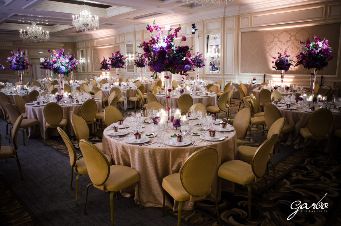 Elegant_Event_Lighting_Chicago_Four_Seasons_Wedding_Flower_Lighting_Uplighting