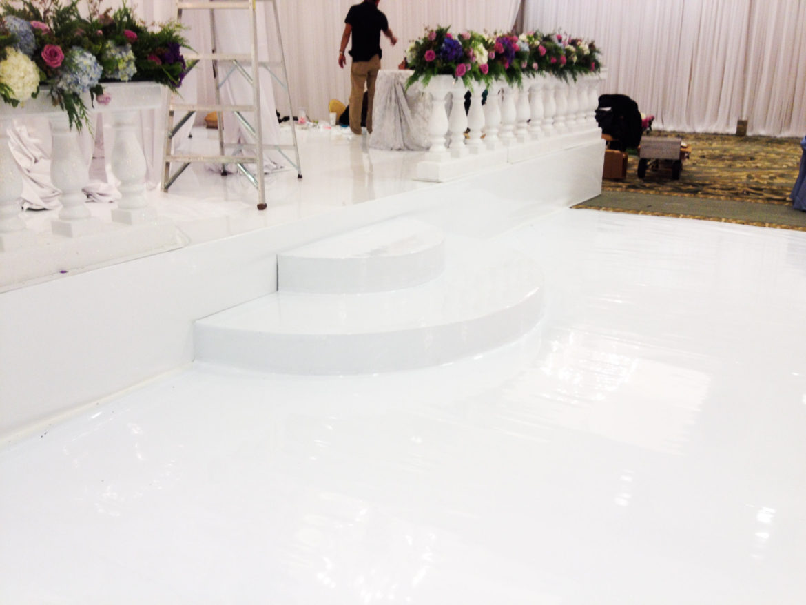 Elegant_Event_Lighting_Chicago_Four_Seasons_Wedding_Vinyl_Stage_Cover_Moon_Steps
