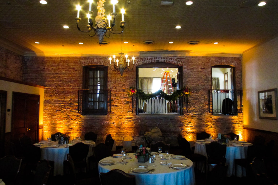 Elegant_Event_Lighting_Chicago_Herrington_Inn_Geneva_Wedding_Amber_Uplighting
