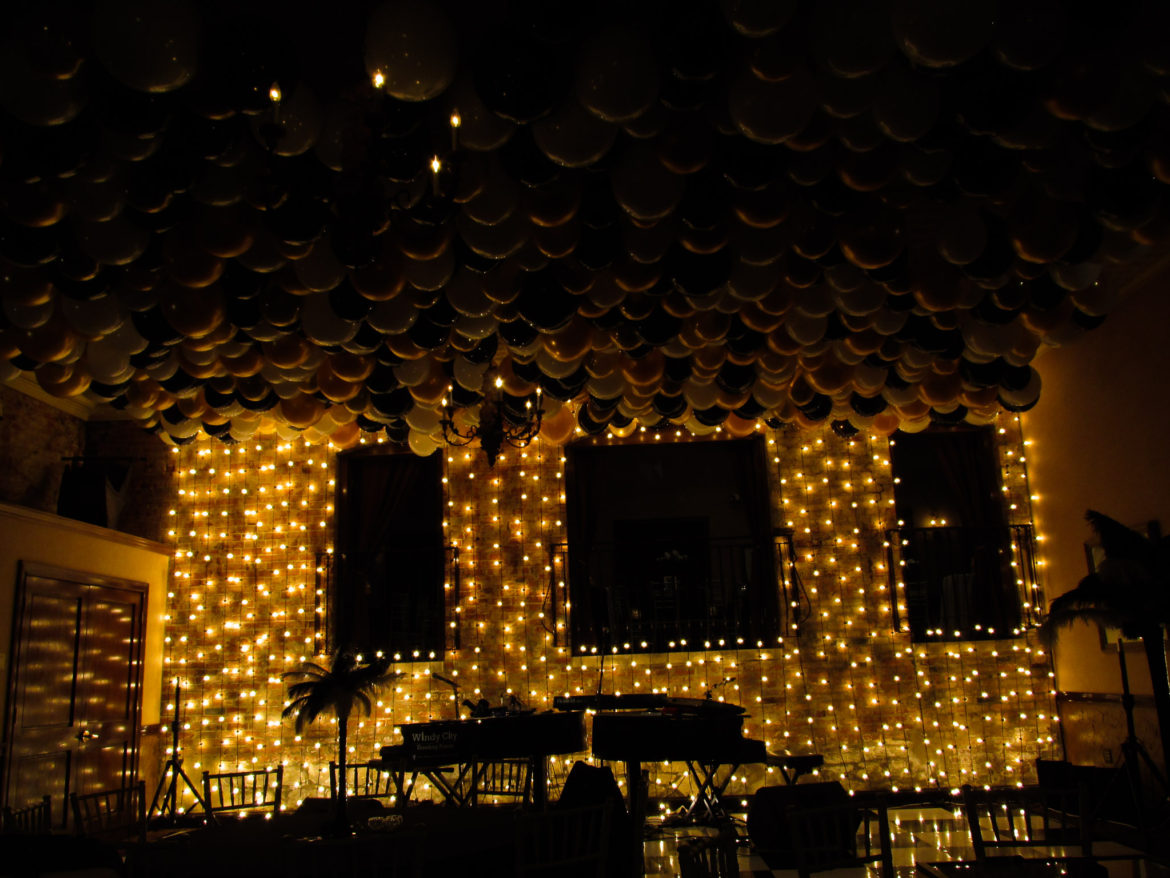 Elegant_Event_Lighting_Chicago_Herrington_Inn_Geneva_Wedding_Vertical_CAfe_Globe_Lighting_Balloons_Gatsby_Theme_Black