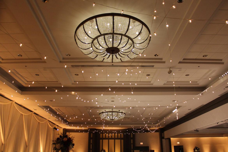 Elegant_Event_Lighting_Chicago_Hilton_Oak_Brook_Wedding_Cafe_Globe_String_Ceiling