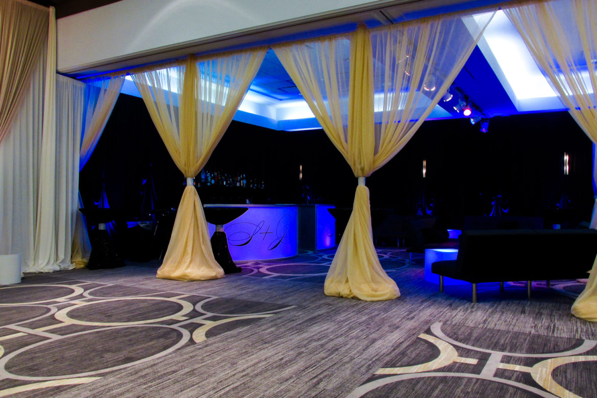 Elegant_Event_Lighting_Chicago_Hilton_Oak_Brook_Wedding_Ivory_Bar_Monogram_Blue_LED_Uplighting