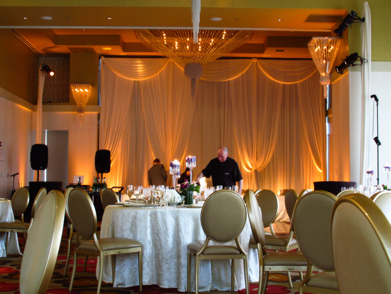 Elegant_Event_Lighting_Chicago_Hotel_Palomar_Wedding_Ivory_Draping_Amber_Uplighting