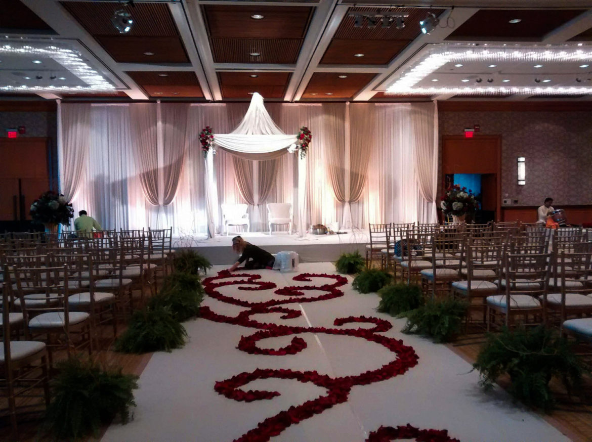 Elegant_Event_Lighting_Chicago_Hyatt_Lodge_Oak_Brook_Wedding_Ivory_Backdrop_Champaign_Draping