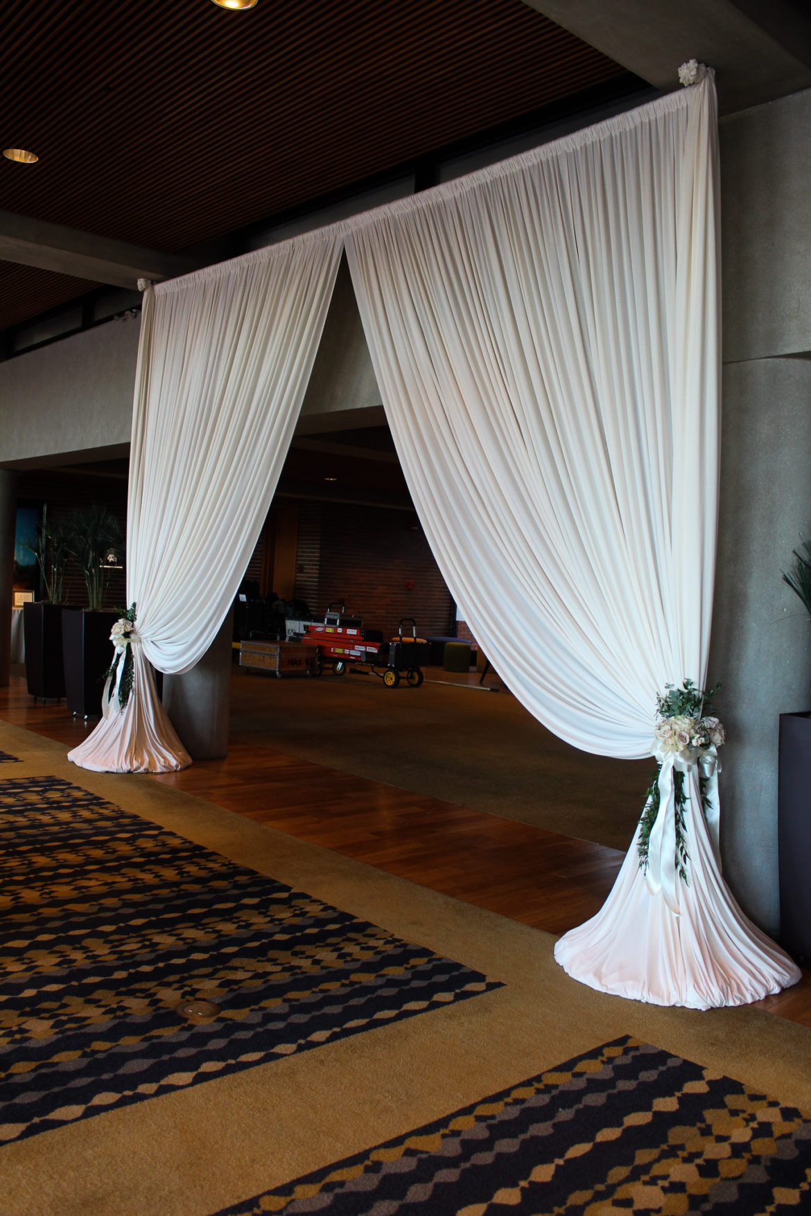 Elegant_Event_Lighting_Chicago_Hyatt_Lodge_Oak_Brook_Wedding_Ivory_Entrance_Draping