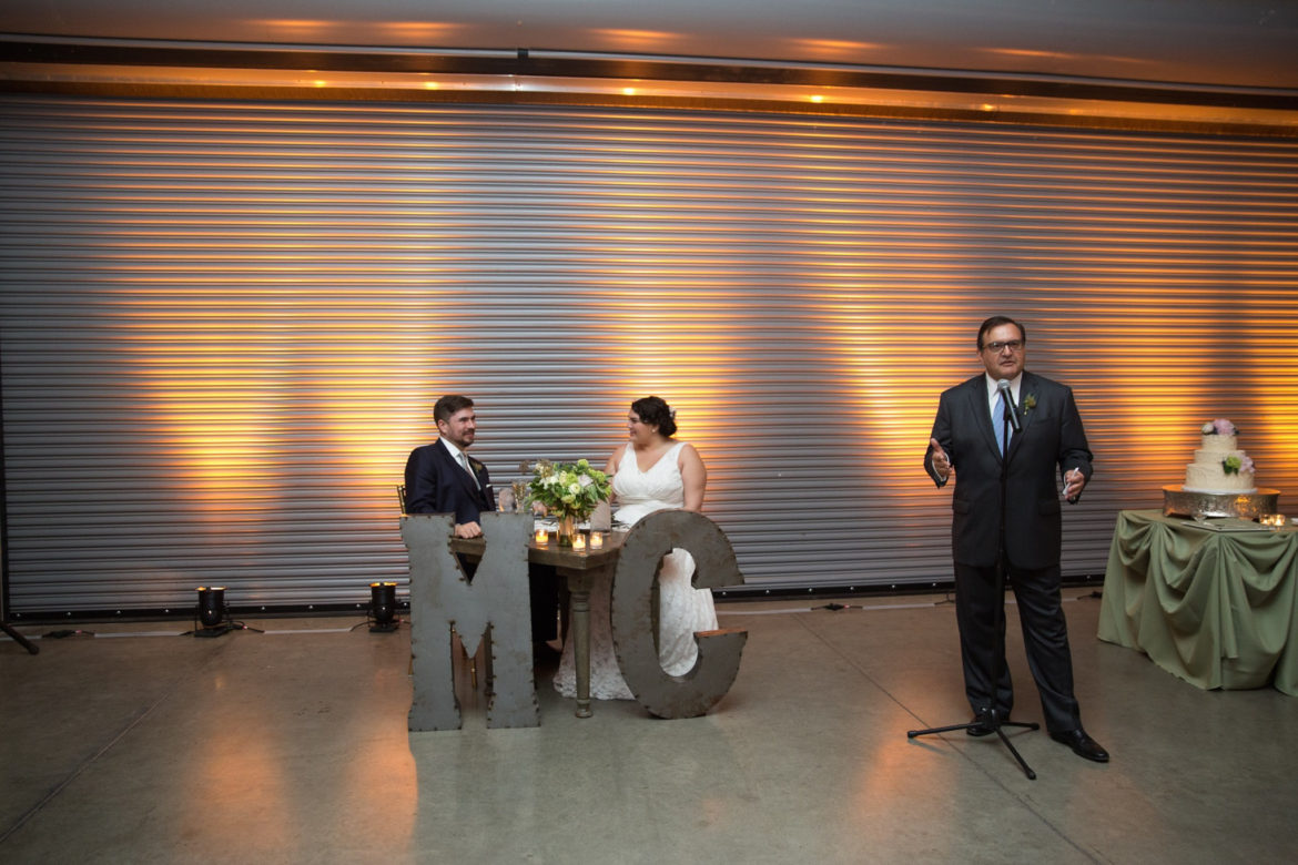 Elegant_Event_Lighting_Chicago_Ignite_Glass_Studios_Wedding_Amber_Uplighting