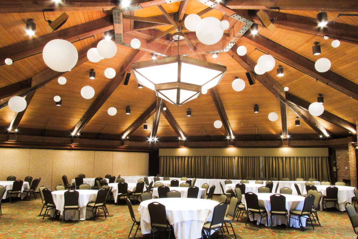 Elegant_Event_Lighting_Chicago_Indian-Lakes_Bloomingdale_Wedding_Paper_Lanterns