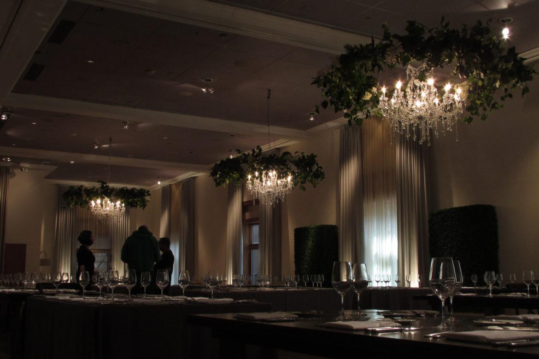 Elegant_Event_Lighting_Chicago_Ivy_Room_Wedding_Chandelier_Garland_Rings