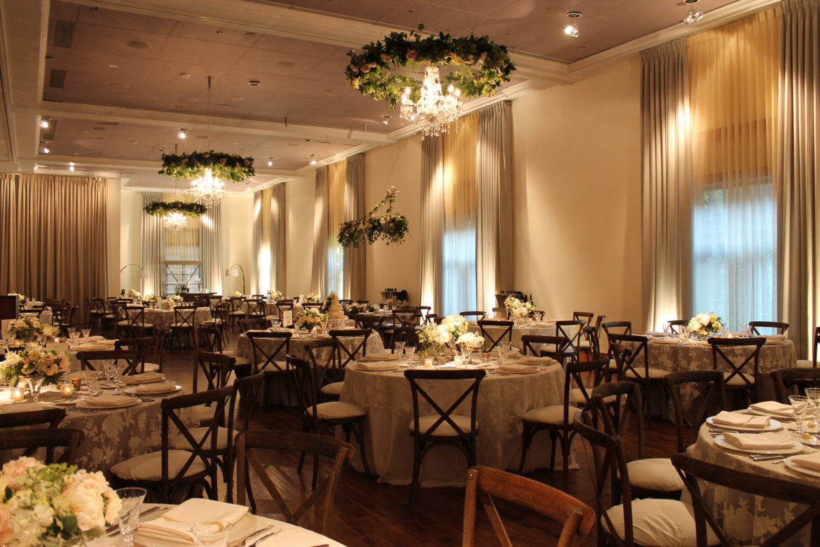 Elegant_Event_Lighting_Chicago_Ivy_Room_Wedding_Garland_Ring_Chandeliers