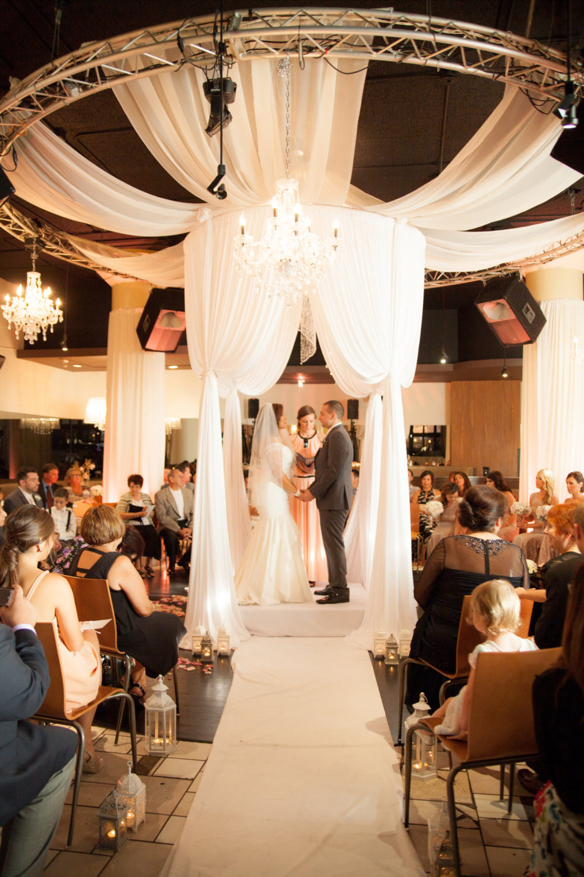 Elegant_Event_Lighting_Chicago_Nacional_27_Circular_Chuppah