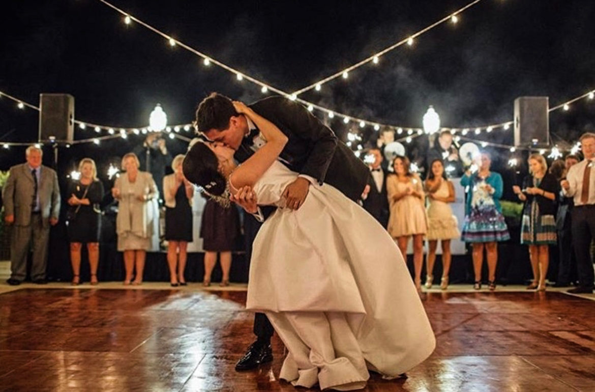 Elegant_Event_Lighting_Chicago_Olympia_Fields_Wedding_Cafe_Globe_Lighting_Kiss