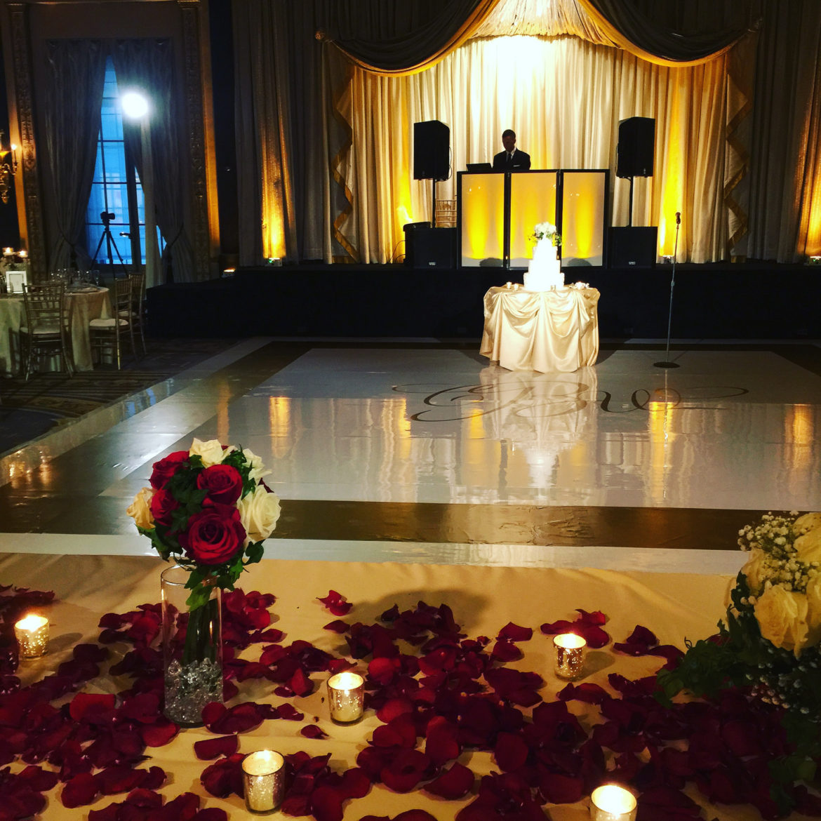 Elegant_Event_Lighting_Chicago_Palmer_House_Hilton_Wedding_Amber_Uplighting_Dance_Floor_Monogram_Flower_Cake_Lighting