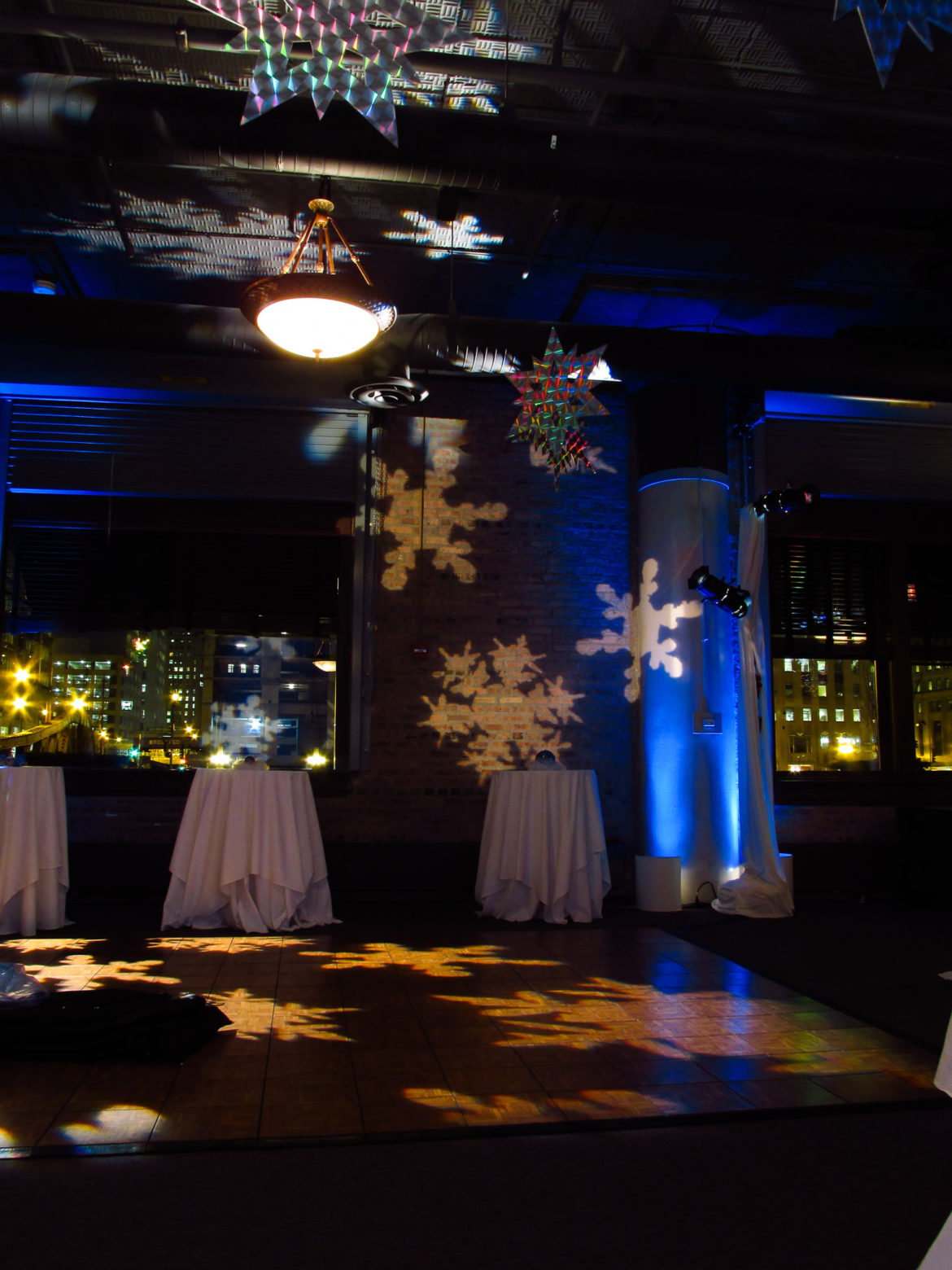 Elegant_Event_Lighting_Chicago_River_Roast_Wedding_Blue_Uplighting_Snowflake_Pattern_Dance_Floor_Lighting