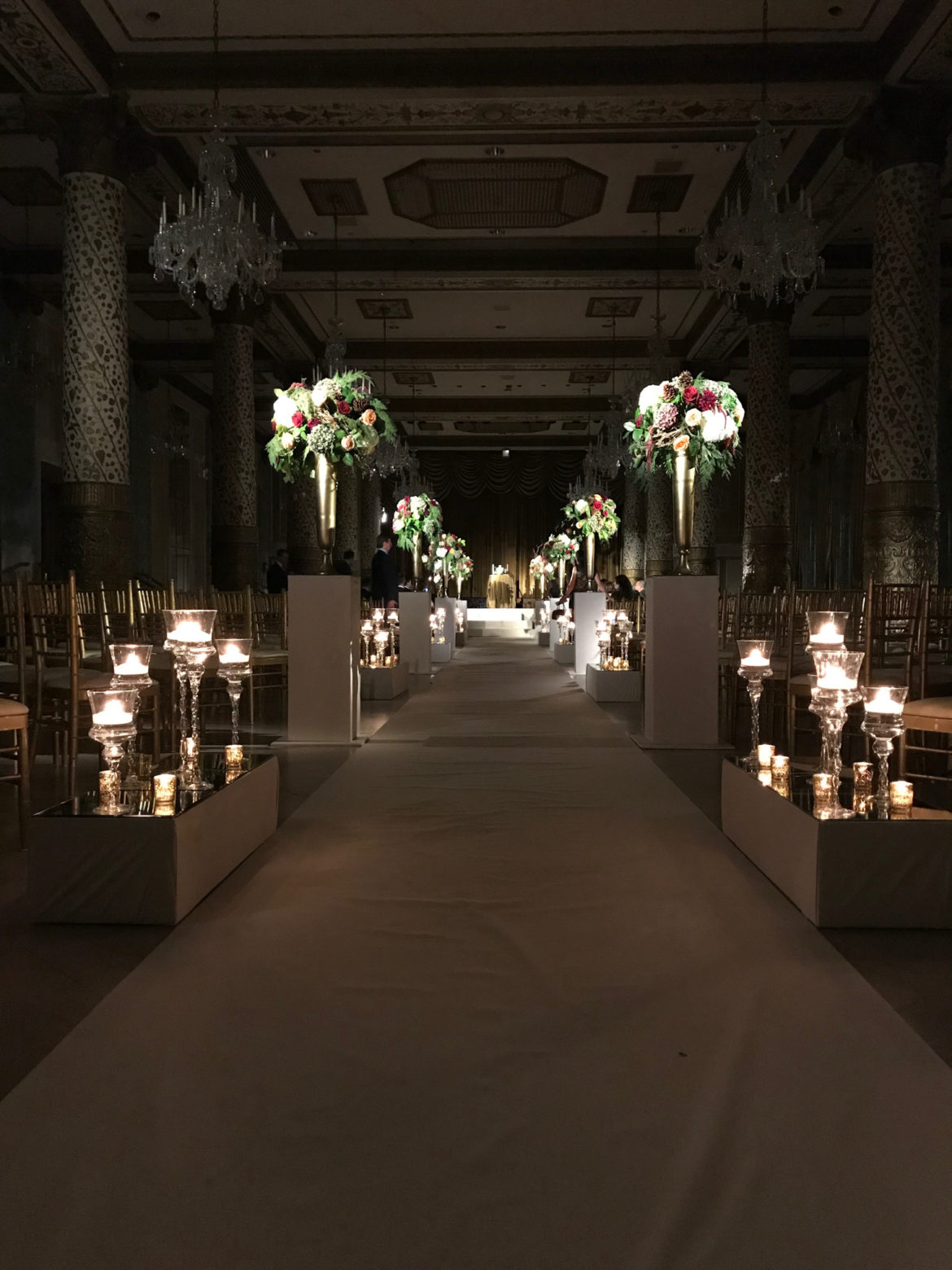 Elegant_Event_Lighting_Chicago_The_Drake_Hotel_Wedding_Flower_Centerpiece_Lighting