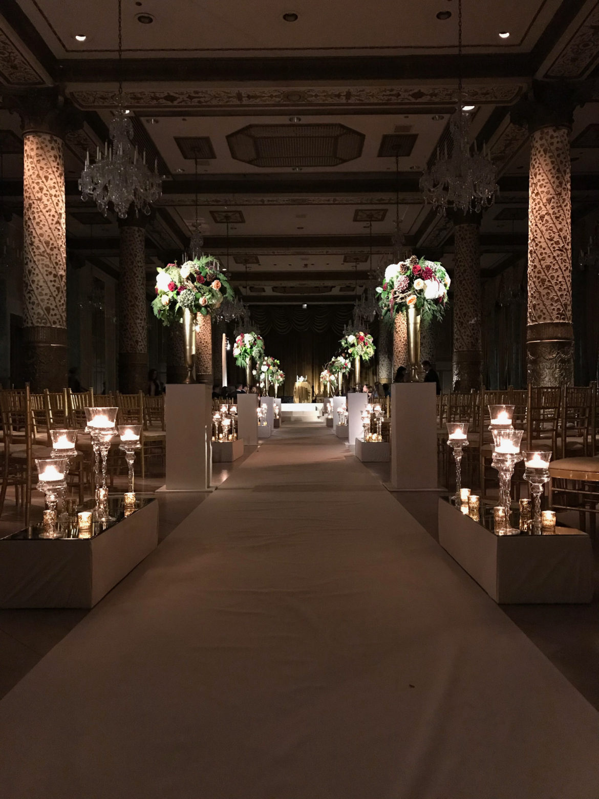Elegant_Event_Lighting_Chicago_The_Drake_Wedding_Flower_Lighting_Pedestals