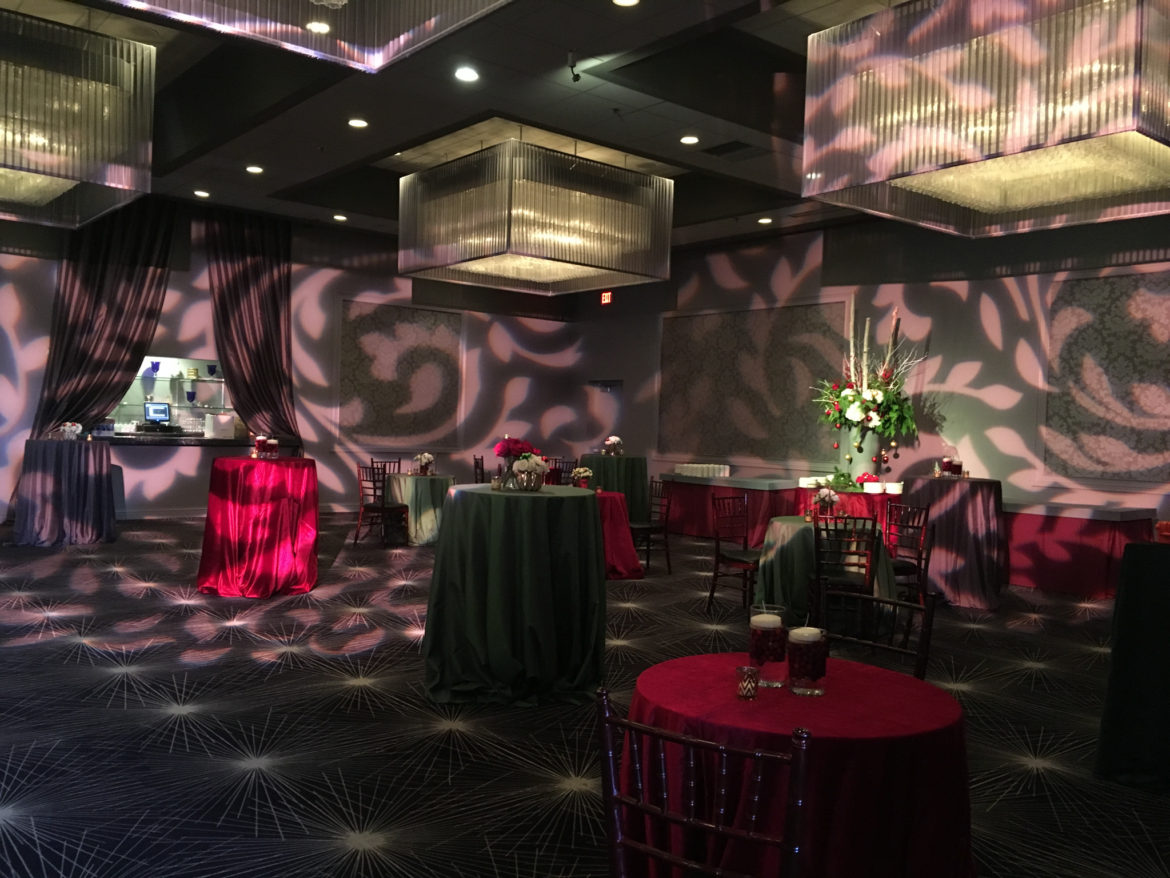 Elegant_Event_Lighting_Chicago_The_Estate_Rosemont_Wedding_Pattern_Walls_Lighting
