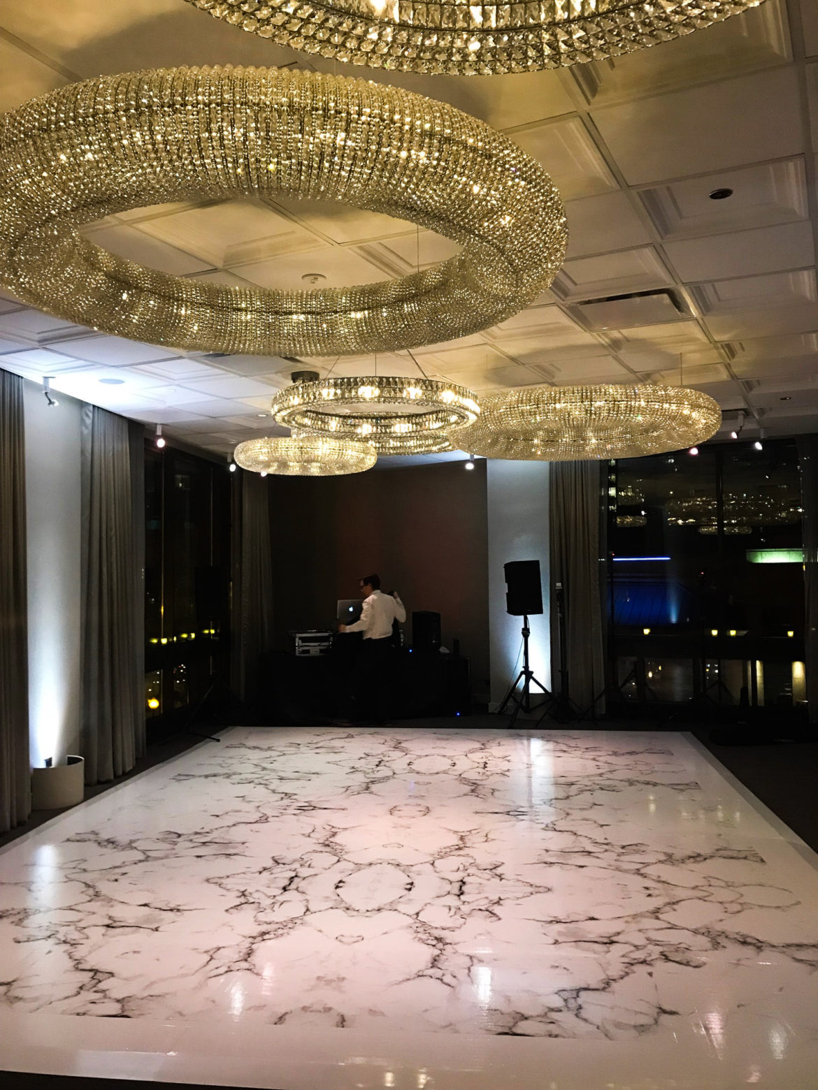 Elegant_Event_Lighting_Chicago_Thompson_Hotel_Wedding_Marble_Dance_Floor_Vinyl