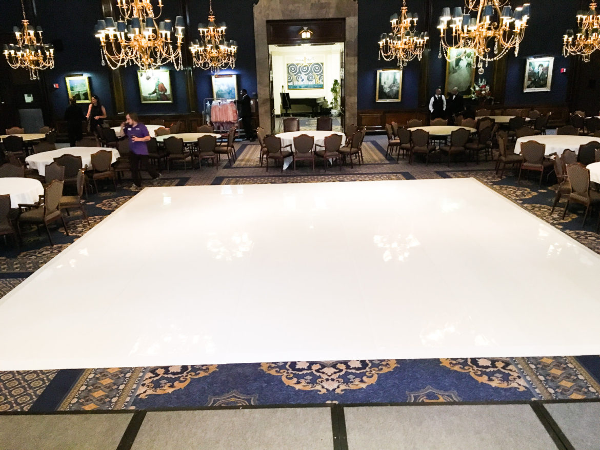 Elegant_Event_Lighting_Chicago_Union_League_Wedding_White_Vinyl_Dance_Floor