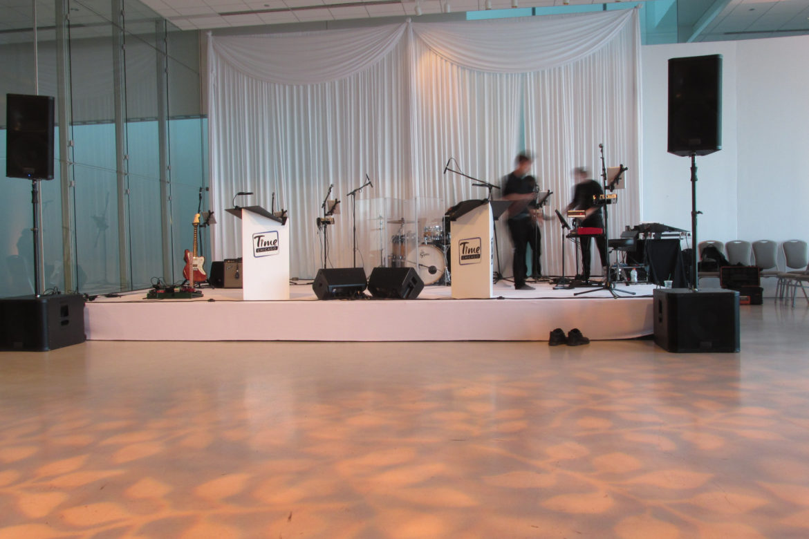 Elegant_Event_Lighting_Chicago_Venue_Six10_Band_Stage_Cover