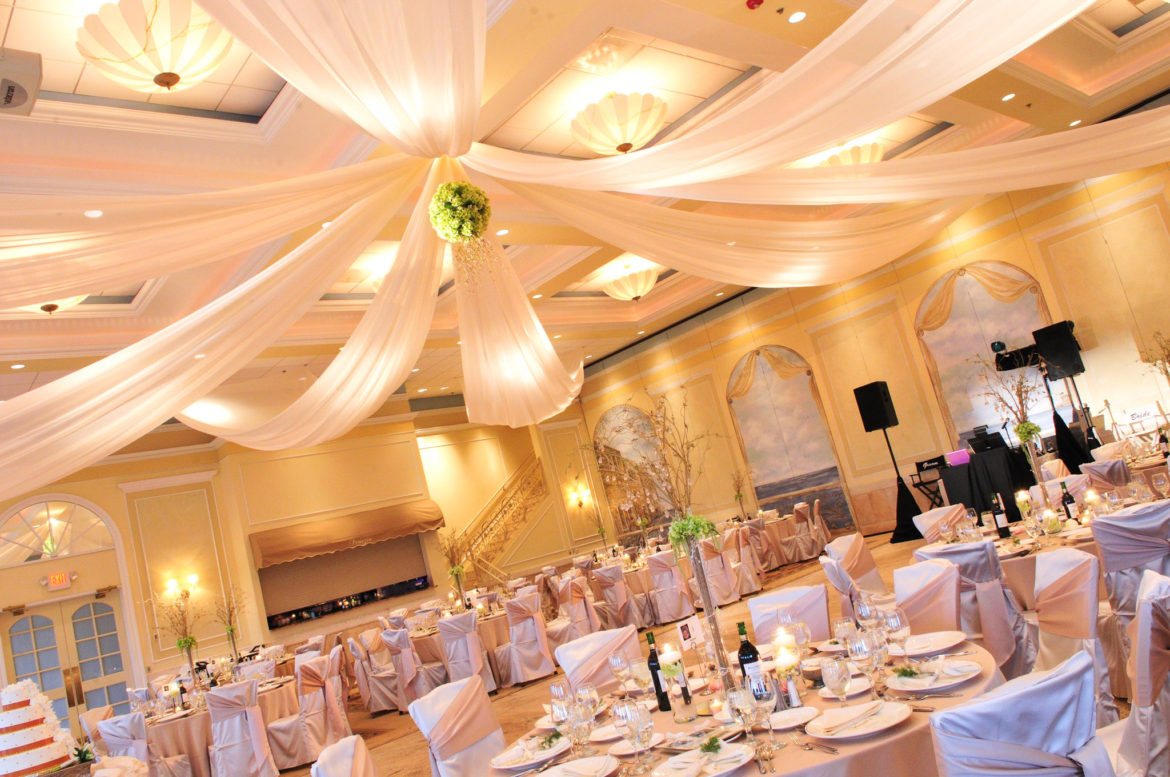 Elegant_Event_Lighting_Chicago_Venutis_Addison_Wedding_Ceiling_Drapes_Flower
