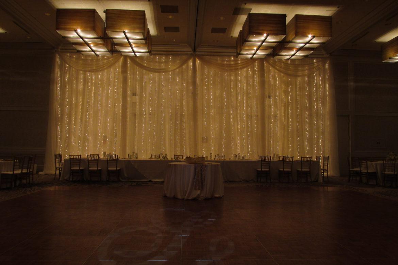 Elegant_Event_Lighting_Chicago_Westin_Itasca_Wedding_Twinkle_Light_Backdrop