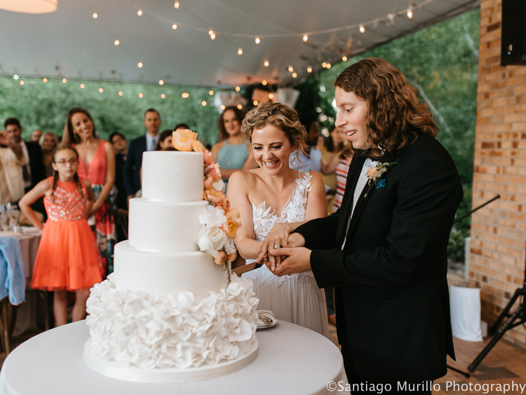 Elegant_Event_Lighting_Chicago_Botanic_Garden_Wedding_Cake_Cutting_Cafe_Globe_Lighting