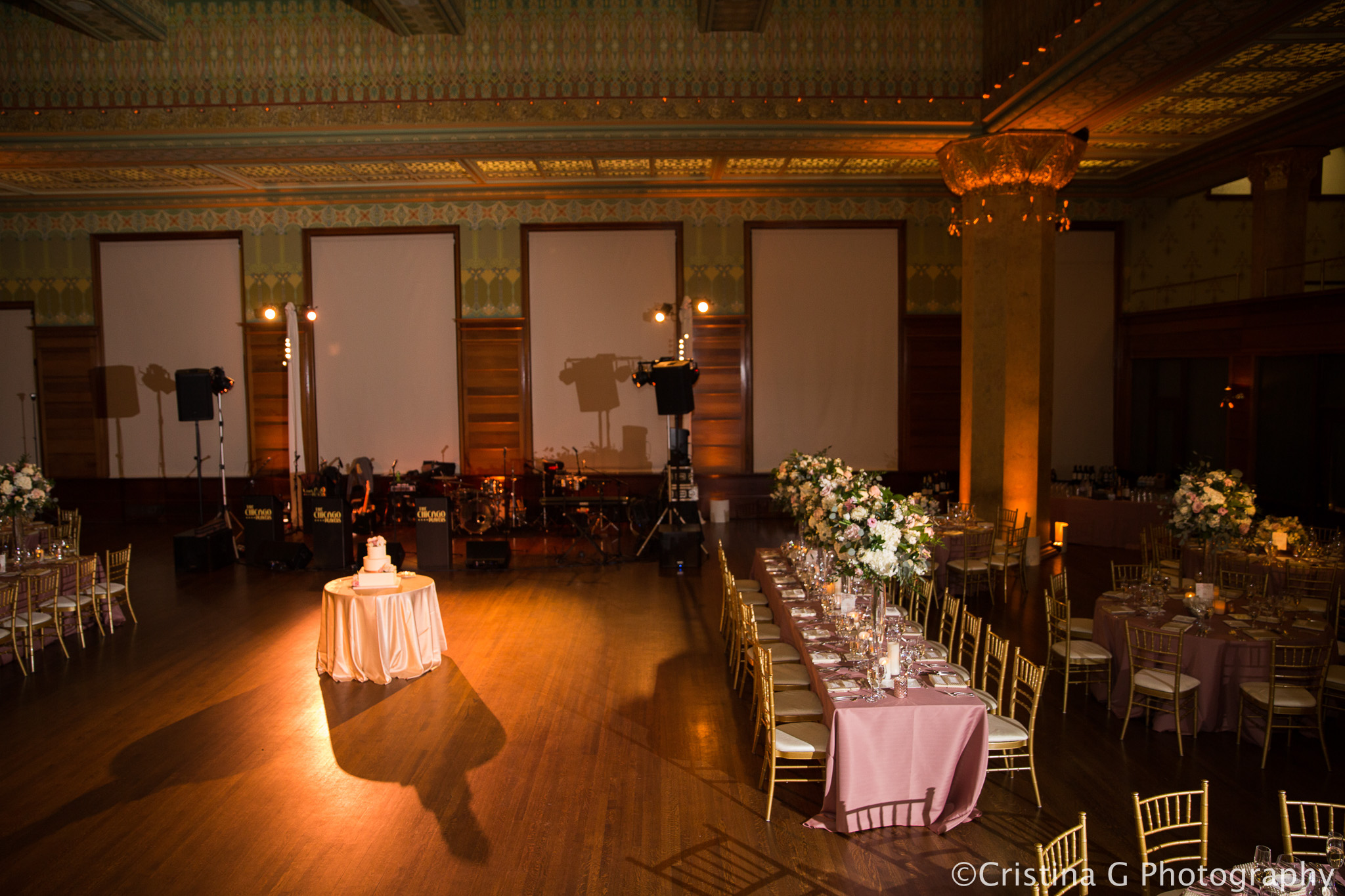 Elegant_Event_Lighting_Wedding_Chicago_Pin_Beam_Lighting_Flower_Dance_Floor_Wash_Stock_Exchange731