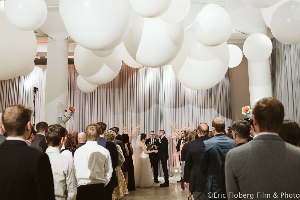 Elegant_Event_Lighting_Chez_Chicago_Wedding_Ceremony_Balloon_Spheres