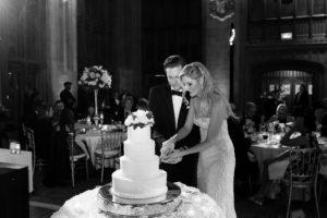 Elegant_Event_Lighting_Univeristy_Club_Chicago_Wedding_Cake_Cutting_Pin_Beam_Lighting